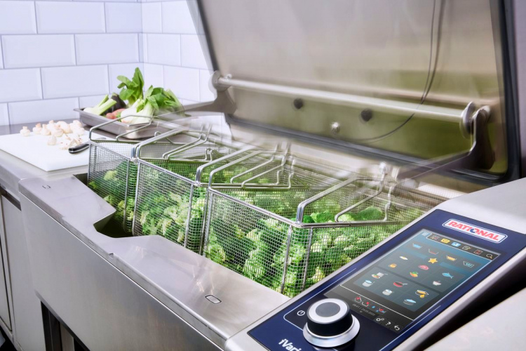 Пресс-релиз iVario Pro от компании RATIONAL. Новый стандарт производительности на профессиональной кухне